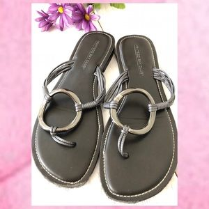 SILVER ISLAND BUCKLE SANDALS